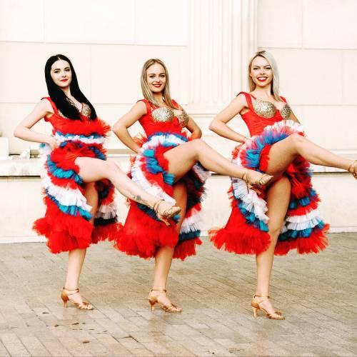 Dansatori Evenimente Queens Show